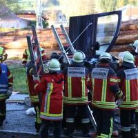 14-10-2014-unterallgaeu-zell-groenenbach-unfall-ueberschlag-feuerwehr-poeppel-new-facts-eu20141014_0015