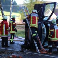 14-10-2014-unterallgaeu-zell-groenenbach-unfall-ueberschlag-feuerwehr-poeppel-new-facts-eu20141014_0020