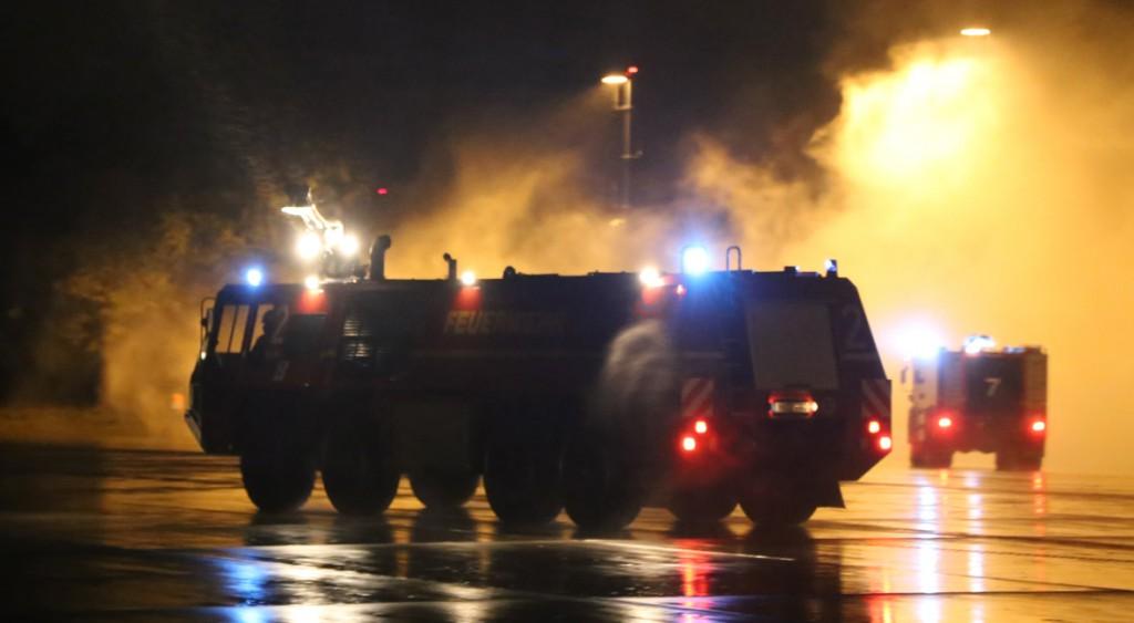 22-10-2014-unterallgaeu-memmingen-allgaeu-airport-uebung-icao-feuerwehr-rettungsdienst-infektionsgefahr-brand-poeppel-new-facts-eu20141022_0018