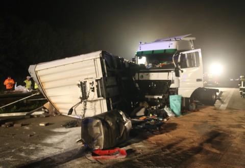 24-10-2014-a96-kohlbergtunnel-erkheim-stetten-lkw-unfall-polizei-feuerwehr-poeppel-new-facts-eu (19)