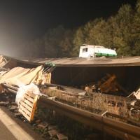 24-10-2014-a96-kohlbergtunnel-erkheim-stetten-lkw-unfall-polizei-feuerwehr-poeppel-new-facts-eu (21)