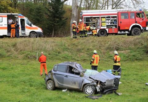 30-10-2014-unfall-toedlich-rot-an-der-rot-biberach-feuerwehr-christoph22-poeppel-new-facts-eu (19)
