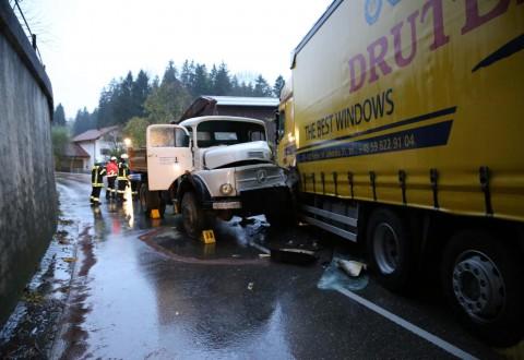 B472-Marktoberdorf-Bertoldshofen-Selbensberg-LKW-frontal-bringezu-feuerwehr-rettungsdienst-new-facts (2)