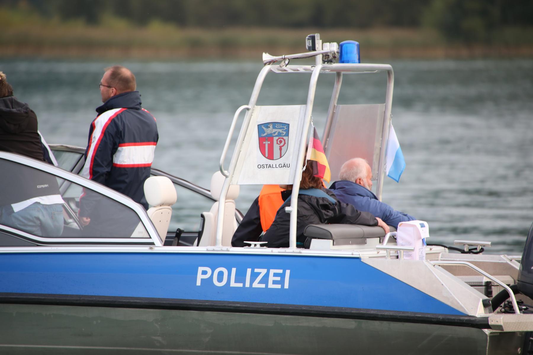 KAT Schutz-Ostallgäu-Oberallgäu-Füssem-Forggensee-THW-Feuerwehr-Rettungsdiest-Schiff-Brand-Wasserwacht-Verletzte-11.10.2014-Bringezu-new-facts (577)