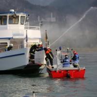 KAT Schutz-Ostallgäu-Oberallgäu-Füssem-Forggensee-THW-Feuerwehr-Rettungsdiest-Schiff-Brand-Wasserwacht-Verletzte-11.10.2014-Bringezu-new-facts (440)