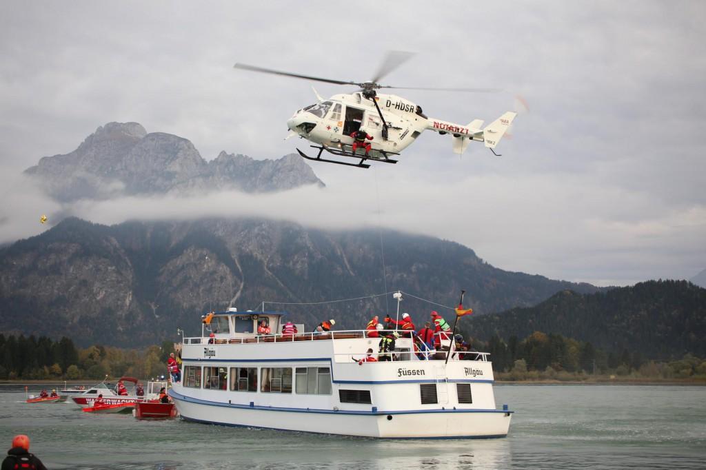 KAT Schutz-Ostallgäu-Oberallgäu-Füssem-Forggensee-THW-Feuerwehr-Rettungsdiest-Schiff-Brand-Wasserwacht-Verletzte-11.10.2014-Bringezu-new-facts (623)