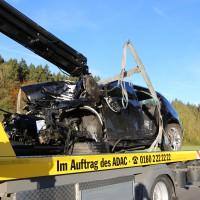Unfall-Baum-PKW-OAL16-Biessenhofen-Kaufbeuren-frontal-18.10 (1)