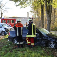 01-11-2014-b300-heimertingen-niederrieden-fellheim-unfall-schwerverletzte-feuerwehr-poeppel-new-facts-eu20141101_0002