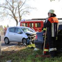 01-11-2014-b300-heimertingen-niederrieden-fellheim-unfall-schwerverletzte-feuerwehr-poeppel-new-facts-eu20141101_0003