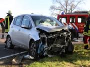 01-11-2014-b300-heimertingen-niederrieden-fellheim-unfall-schwerverletzte-feuerwehr-poeppel-new-facts-eu20141101_0005