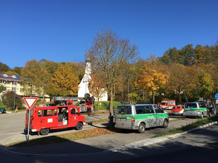 03-11-2014-guenzburg-thannhausen-brand-rauch-feuerwehr-seniorenheim-weiss1