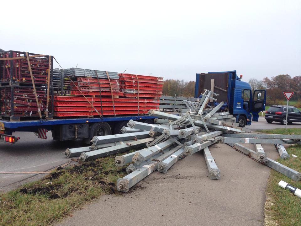 voerhingen 11-11-2014 ladungssicherung geruestteile zwiebler