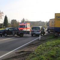 14-11-2014-b300-heimertingen-unfall-lkw-pkw-verletzte-poeppel-new-facts-eu20141114_0005