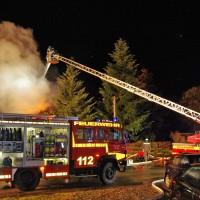 19-11-2014-guenzburg-ebershausen-brand-feuer-ferienhaus-feuerwehr-foto-weiss-new-facts-eu20141119_0003