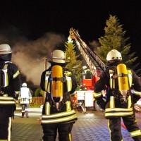 19-11-2014-guenzburg-ebershausen-brand-feuer-ferienhaus-feuerwehr-foto-weiss-new-facts-eu20141119_0007