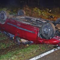 21-11-2014-guenzburg-krumbach-attenhausen-unfall-toedlich-18jahre-fahranfaenger-feuerwehr-weiss-new-facts-eu20141122_0003