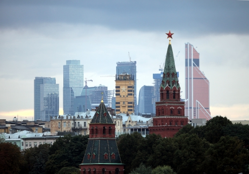 Turm des Kreml in Moskau mit dem Moskauer Bankenviertel im Hintergrund, über dts Nachrichtenagentur