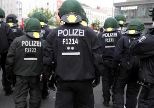 Polizei bei einer Demo, über dts Nachrichtenagentur