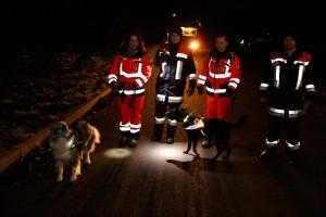 03-12-0214-neu-ulm-illertissen-vermisstensuche-polizei-feuerwehr-rettungshunde-brk-asb-wis-new-facts-eu20141204_0003
