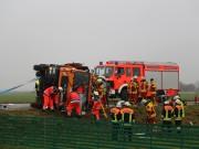 03-12-2014-unterallgaeu-stockheim-bad-woerishofen-lkw-unfall-schwer-feuerwehr-poeppel-new-facts-eu20141203_0022