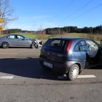 12.12.2014-Geisenried-B16-B12-Unfall-Totalschaden-Vollsperrung-schwer-verletzt-Rettungshubschrauber-Polizei-Rettungsdienst-Bringezu-New-facts (16)