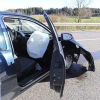 12.12.2014-Geisenried-B16-B12-Unfall-Totalschaden-Vollsperrung-schwer-verletzt-Rettungshubschrauber-Polizei-Rettungsdienst-Bringezu-New-facts (17)