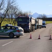 12.12.2014-Geisenried-B16-B12-Unfall-Totalschaden-Vollsperrung-schwer-verletzt-Rettungshubschrauber-Polizei-Rettungsdienst-Bringezu-New-facts (31)