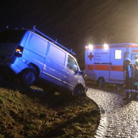 19-12-2014-unterallgaeu-rammingen-unfall-transporter-verkehrsinsel-poeppel-new-facts-eu0016
