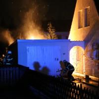 21-12-2014-memmingen-brand-garage-feuerwehr-poeppel-new-facts-eu0006