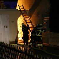 21-12-2014-memmingen-brand-garage-feuerwehr-poeppel-new-facts-eu0010
