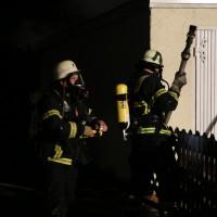 21-12-2014-memmingen-brand-garage-feuerwehr-poeppel-new-facts-eu0033