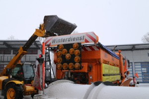 28-12-2014-winterdienst-autobahn-salz-poeppel-new-facts-eu0015