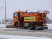 30-12-14-sattelzug-lkw-schneeglaette-winterdienst-poeppel-new-facts-eu0005
