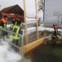 04-01-15_BY_Legau_Hochwasserschutz_Feuerwehr_Flutung-Wiesen_poeppel-new-facts-eu0001