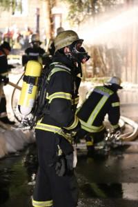 07-01-15_BY-Lautrach-Unterallgaeu_Brand-Stadel_Feuerwehr_Poeppel-new-facts-eu0008