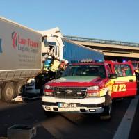 BaWü-UlmWestA8 LKW-Unfall