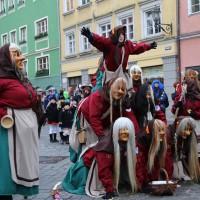18-01-15_Memmingen_Narrensprung_Fasnet_Fasching_Nachtumzug_Stadtbachhexen_Poeppel_new-facts-eu0035