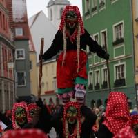 18-01-15_Memmingen_Narrensprung_Fasnet_Fasching_Nachtumzug_Stadtbachhexen_Poeppel_new-facts-eu0316