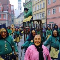 18-01-15_Memmingen_Narrensprung_Fasnet_Fasching_Nachtumzug_Stadtbachhexen_Poeppel_new-facts-eu0382