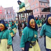 18-01-15_Memmingen_Narrensprung_Fasnet_Fasching_Nachtumzug_Stadtbachhexen_Poeppel_new-facts-eu0384