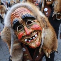 18-01-15_Memmingen_Narrensprung_Fasnet_Fasching_Nachtumzug_Stadtbachhexen_Poeppel_new-facts-eu0488