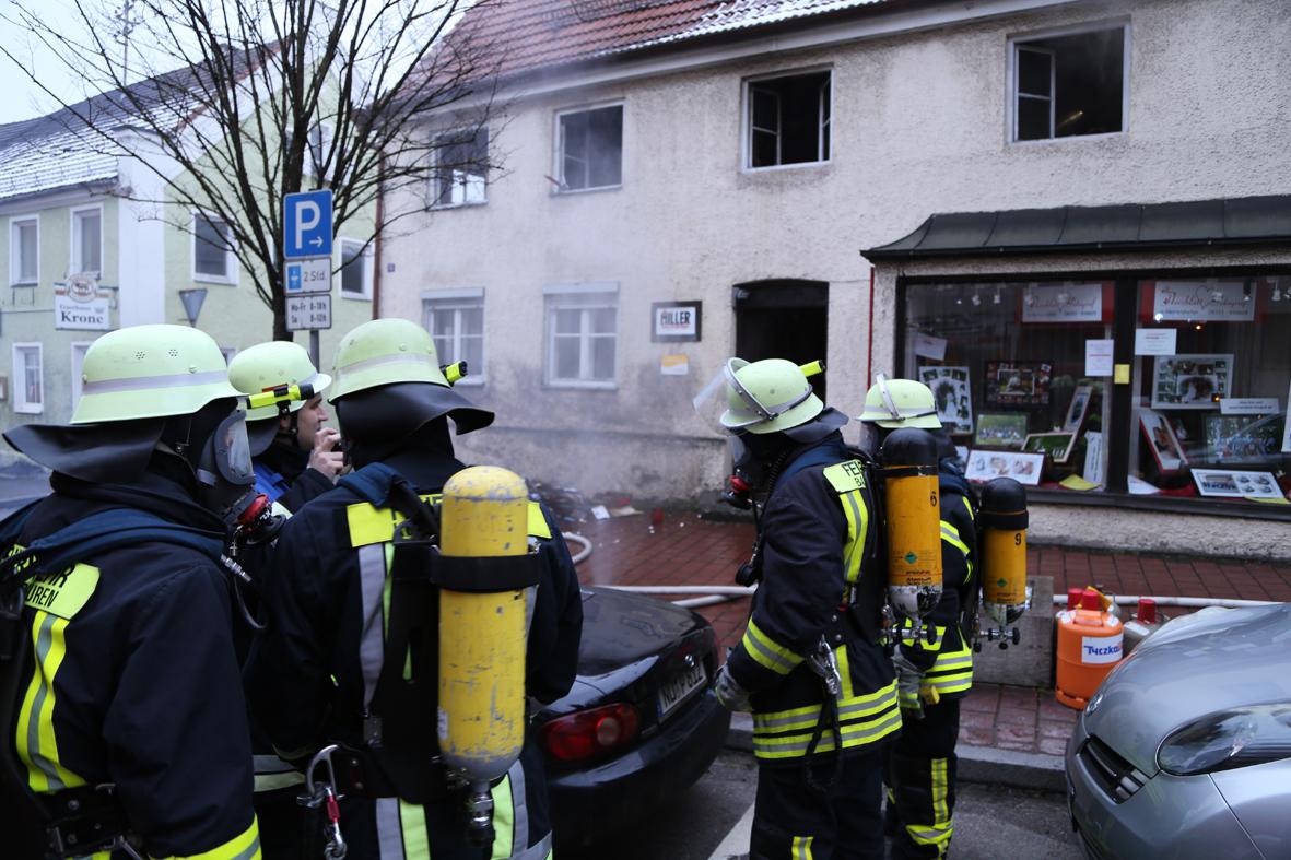 21-01-15_BY_Unterallgaeu_Babenhausen_Zimmerbrand_Feuerwehr_Poeppel_new-facts-eu0015