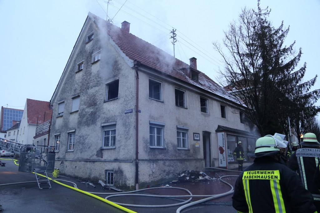 21-01-15_BY_Unterallgaeu_Babenhausen_Zimmerbrand_Feuerwehr_Poeppel_new-facts-eu0026