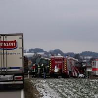 21-01-15_BY_Unterallgaeu_Pfaffenhausen_Schoeneberg_Traktor-Pkw-toedlich_Poeppel_new-facts-eu0021