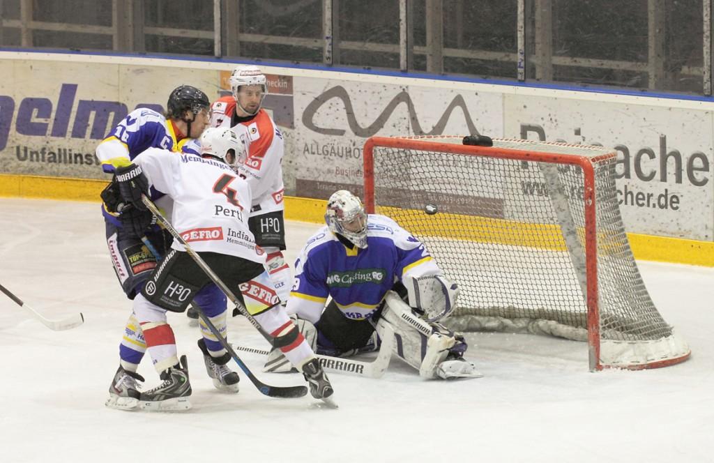 23-01-15_Eishockey_Indians_ECDC-Memmingen_Waldkraiburg_Match_Fuchs_new-facts-eu0033