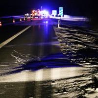 28-01-15_BY_A7-Groenenbach_Unfall_Schnee_Pkw-Ueberschlag_Feuerwehr_Poeppel_new-facts-eu0004