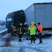 30-01-15_A7-Woringen_Lkw-Unfall_Schnee_Feuerwehr_Poeppel_new-facts-eu0032