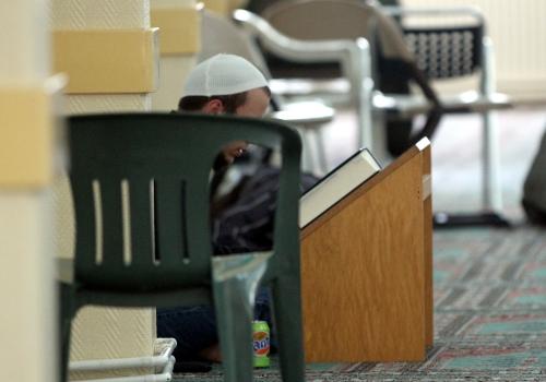 Gläubiger Moslem beim beten, über dts Nachrichtenagentur