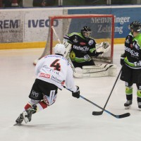 01-02-2015_Eishockey_Memmingen_Indians-ECDC_ Hoechstadt_match_Fuchs_new-facts-eu0051