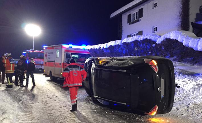08-02-15_westallgaeu_Lindau_Heimerkirch_Unfall_Feuerwehr_Raedler_new-facts-eu